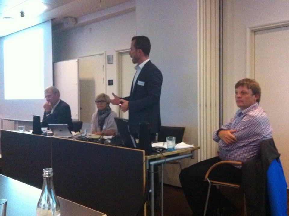 Panel til møde om Venstre_nedskæring_6.okt.2014_facebook